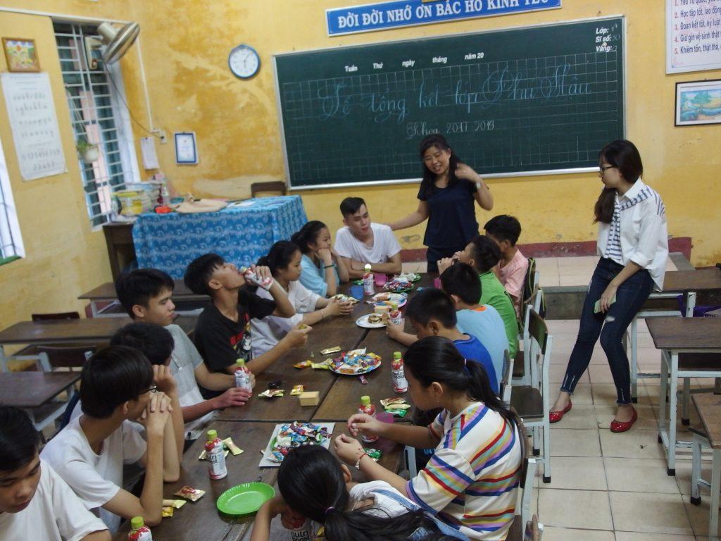 フエ市、学習支援教室の様子(2019年5月)