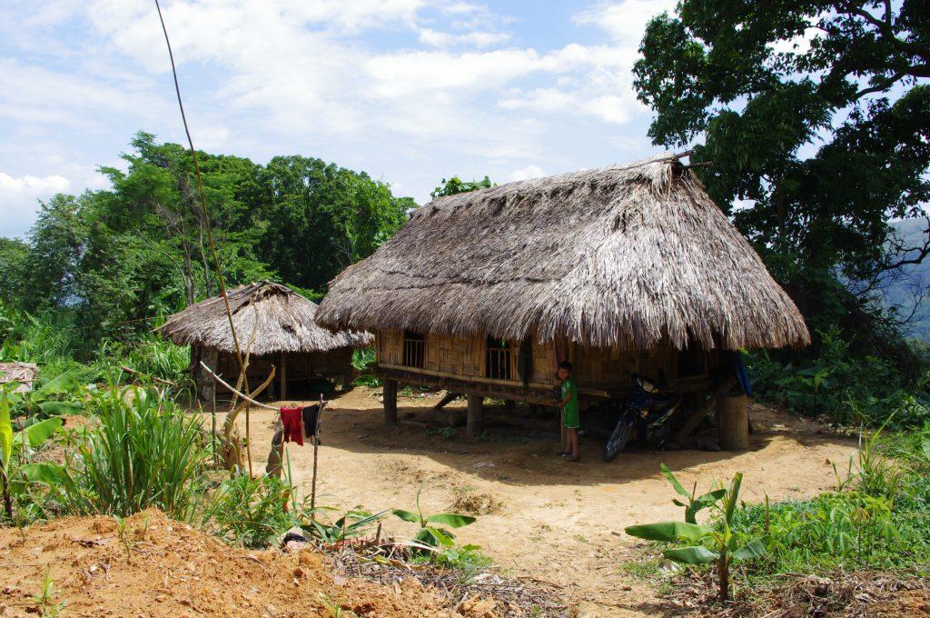 パコ族の家