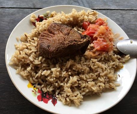 海辺の村のお昼ごはん、タンザニア