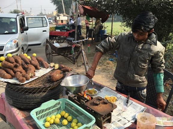 焼き芋にはライムがついてく,北インド・ハリヤーナ