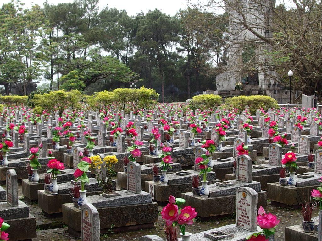 戦争で亡くなった兵士たちのお墓、ベトナム