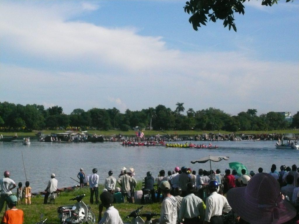 建国記念日のボートレース、ベトナム・フエ市