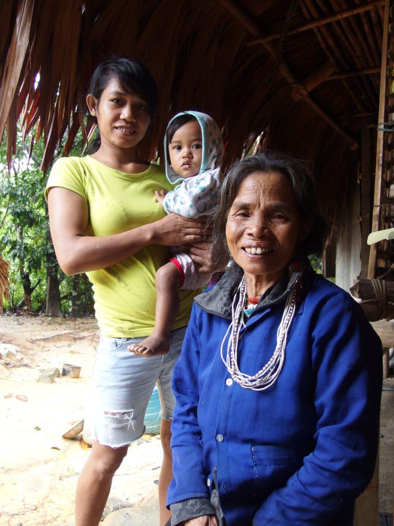 パコ族のおばあちゃん、ベトナム・フエ