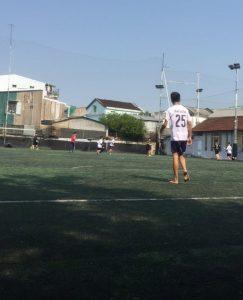 人口芝のサッカー場、フエ市・ベトナム