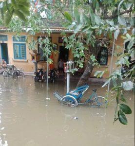 洪水の様子、フエ市