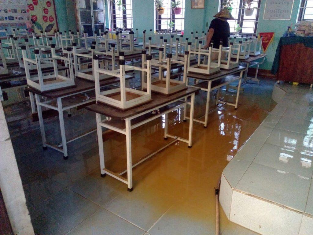教室も浸水しました、フエ市