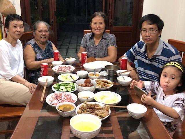 家での食事、ベトナム・フエ市